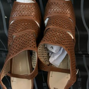 BCBG high heeled open toe brown leather sandals
